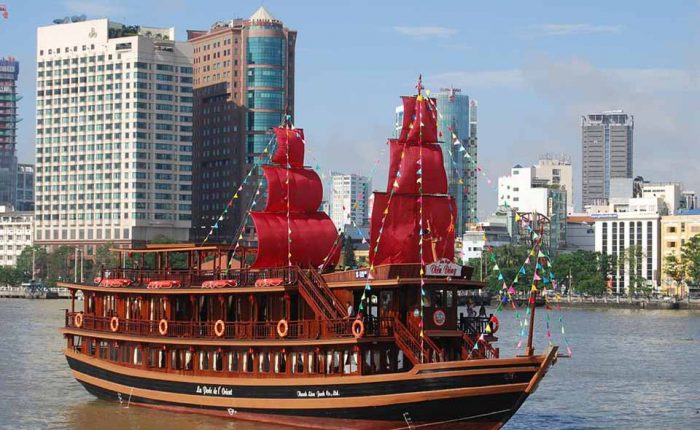 dinner cruise Saigon river