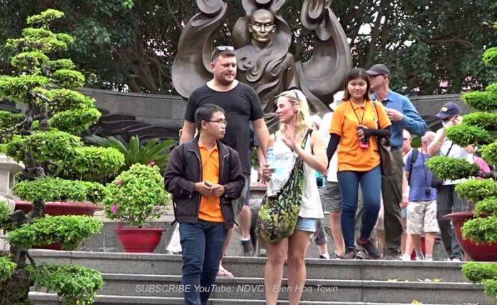 statue of thich quang duc saigon