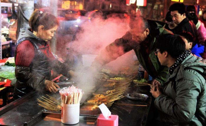 tour saigon street food